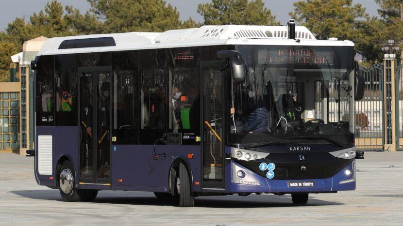Video: Primul autobuz autonom din România