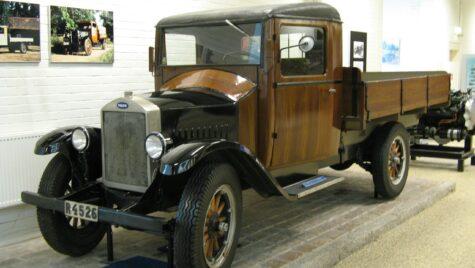 Primul camion Volvo, produs în urmă cu 93 de ani: 28 CP și cabină de lemn