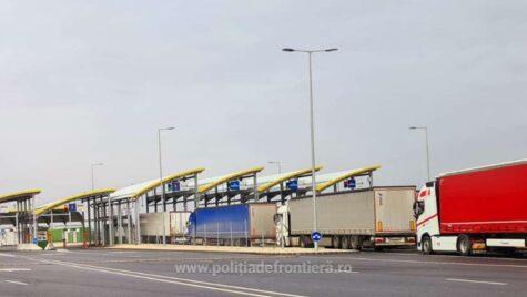 Timpi mari de aşteptare pentru camioane, la ieşirea spre Ungaria