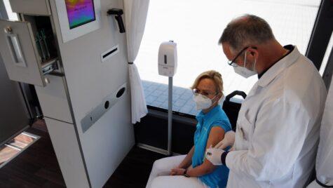 Autobuz Setra destinat vaccinării în Germania