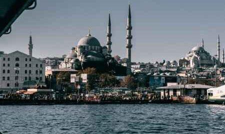 Turcia intră în lockdown până pe 17 mai!