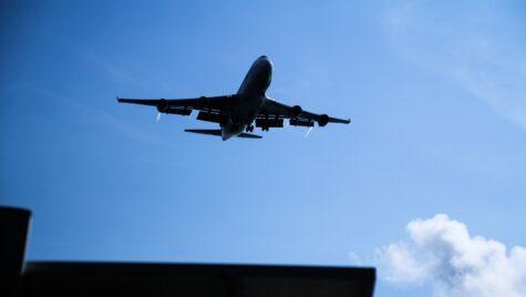 Transportul aerian de pasageri, redresare lentă